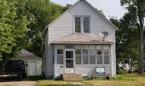 Price Reduced!  214 E. Pipestone Ave., Flandreau, SD
