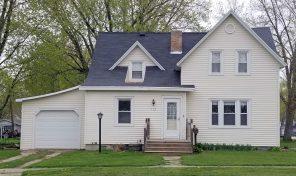 New Listing – 1 1/2 Story Home – 112 E. Broad Ave., Flandreau, SD