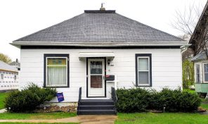 New Listing – 207 W. 1st Ave., Flandreau, SD
