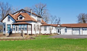 Executive 27.06 Acreage – 47810 229th St., Flandreau, SD