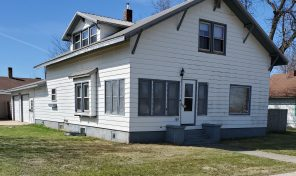New Price 101 W 1st Ave. Flandreau, SD 57028